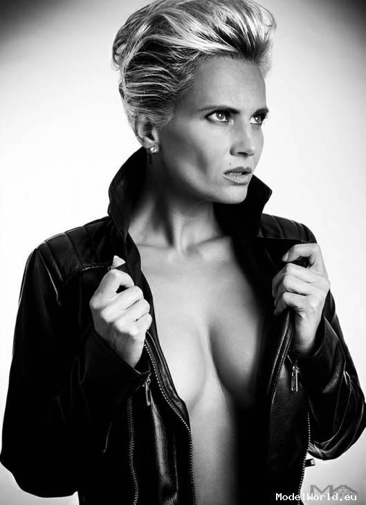 Jarmila Michell, 44